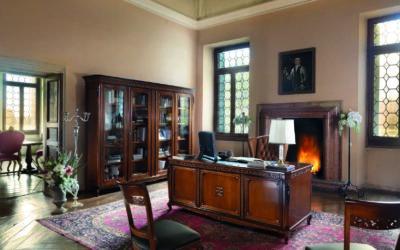 Composizione con libreria, scrivania e sedia tappezzata